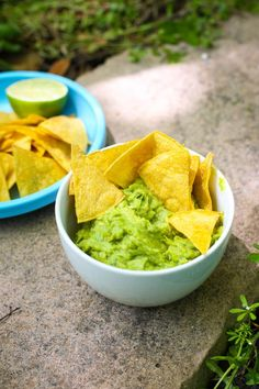 Guacamole with asparagus & how to make your own tortilla chips