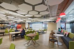 The Inspiring Offices of Tech Companies in Silicon Valley Office DIY Decor, Office Decor, Office Ideas Cafeteria Design, Corporate Interiors, Office Interiors, Module Design, Design Design, Salas Lounge, Blitz Design, Commercial Office Design, Cafe Seating