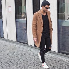 If you want to buy clothes inspired by all the outfits we upload make sure to… Best Mens Fashion, Daily Fashion, Fashion Network, Winter Outfits Men, Mein Style, Dapper Men, Swag Style, Men Street, Stylish Men