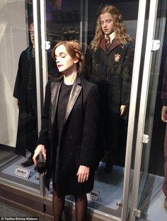 Emma Watson con il suo 'clone' Hermione per beneficenza » GOSSIPpando | GOSSIPpando