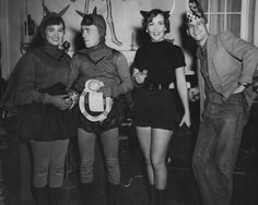 Vintage Halloween Party... and i thought I loved Halloween......