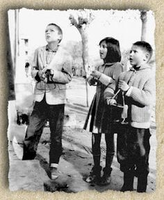 Christmas carols in Greece, Christmas Carol, Vintage Christmas, Greece Pictures, Greek Culture, Greek Life, Past Life, Black And White Pictures, Vintage Pictures, Historical Photos