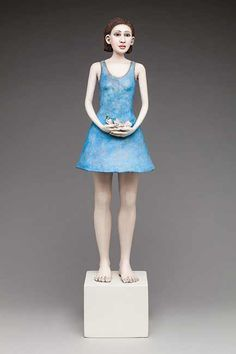 Sara Lisch, figurative ceramic sculpture