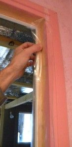 How to perfectly isolate a door with silicone, here is a very effective thing, the tutorial i Dremel, Diy Door, Architect Design, Insulation, Air, Inventions, Diy Projects, Voici, Garage