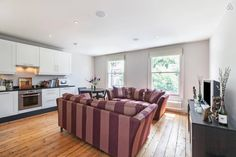 2 bedrooms house in Islington, London.