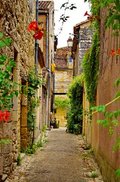 Monpazier, Perigord, France - I love Perigord but have not been to this town #RVenFrance