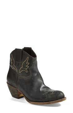11ef43b206977 Golden Goose  Sydney  Western Boot (Women)