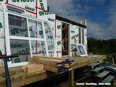 Lay Decking on Wooden Deck - Installing Deck Boards Construction Patio, Patio Plan, Deck Building Plans, Deck Framing, Terrasse Design, Porch Veranda, How To Build Steps, Wrap Around Deck, Victorian Design