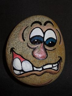 30 Best Painted Rock Faces Ideas is part of Best Painted Rock Faces Ideas Thedestinyformula Com - Here you can see best painted rocks face ideas to stimulate your imagination Enjoy and choose your favourites! Painted Garden Rocks, Painted Rocks Craft, Hand Painted Rocks, Painted Faces, Rock Painting Patterns, Rock Painting Ideas Easy, Rock Painting Designs, Pebble Painting, Pebble Art