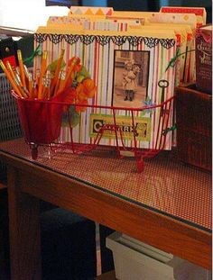 Reuse old dish drainer as file holder...