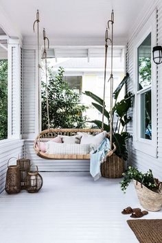 7 Boho Ideas for Outdoor Spaces (Big and Small)! (my scandinavian home)- 7 Boho Ideas for Outdoor Spaces (Big and Small)! (my scandinavian home) 7 Boho Ideas for Outdoor Spaces (Big and Small)! Home Living, Living Spaces, Living Rooms, Small Living, Sweet Home, Small Patio, Patio Ideas For Small Spaces, Outdoor Furniture Small Space, Small Chairs
