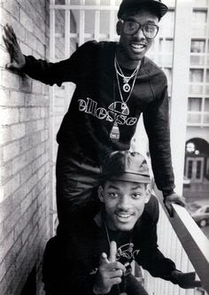 This is an image of DJ Jazzy Jeff & Will Smith also known as The Fresh Prince. This image motivates my Autonomy and Mastery need. I hope to one day be as awesome as DJ Jazzy Jeff and well known like The Fresh Prince. Will Smith, Jaden Smith, Hip Hop And R&b, Love N Hip Hop, Hip Hop Rap, Jada Pinkett Smith, Hip Hop Artists, Music Artists, Photographie Street Art