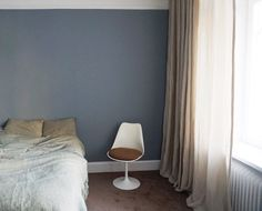 The walls in Amelia Widells bedroom are painted in a lovely blue-grey color - Nordsjö Blue Gray Bedroom, House By The Sea, Small Rooms, Color Inspiration, Baby Blue, Master Bedroom, Sweet Home, Blue Grey, Home Decor