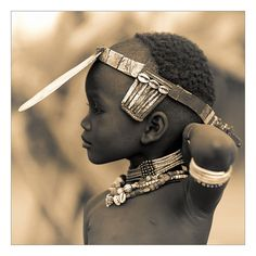 Ethiopie: la vallée de l'Omo; enfant Hamar.