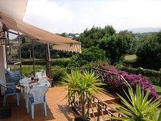 villa appartement met prive tuin en zwembad.