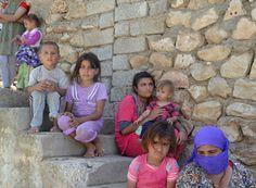 ISIS-led violence leaves many Iraqi Yazidi children vulnerable to death | Politics | Daily Sabah 8/7/14