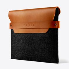 Ipad Mini Envelope Sleeve in Tan by Mujjo - Fy Ipad Mini, Hypebeast, Leather Laptop Case, Laptop Storage, Ipad Bag, Laptops For Sale, Computer Sleeve, Ipad Sleeve, Leather Craft