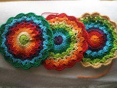 Flower Potholders...  Tomaollas en flores coloridas...