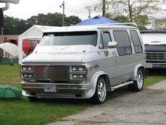 wheels on your van? Old Vintage Cars, Vintage Vans, 20 Wheels, Wheels And Tires, Camper, Gmc Vans, Rv Travel Trailers, 4x4 Van, Cool Vans