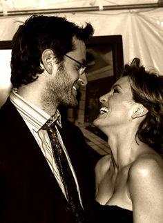 Peter Hermann & Mariska Hargitay Luv the way they look at each other <3
