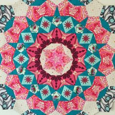 How to fussy-cut fabric for English paper piecing (EPP). Posted at Flossie Teacakes