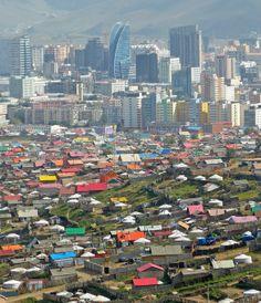 De tegenstellingen van Ulaanbaatar. Kijk voor meer reisinspiratie op www.nativetravel.nl