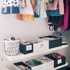 Selber anziehen: Anregungen zur Gestaltung eines Kinderkleiderschranks - Geborgen Wachsen Kids Wardrobe, Wardrobe Rack, Floating Nightstand, Blog, Interior, Handmade, Furniture, Home Decor, Organization