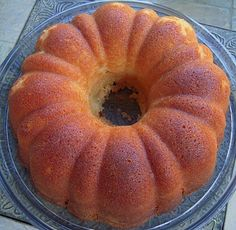 7 Up Pound Cake ~ Perfect for a spring or summer day when you have to make dessert and chocolate is not an option!
