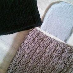 #madebyme #diy #knitting #knittedscarf #diyhat #itsetehty #neulonta #knitstagram #handmade #käsintehty #firstknittingproject #homemade #instaknit