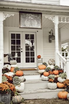 30 Best And Beautiful Home Front Porch Decorating Ideas Front porch or often referred to as a terrace. The porch front is one of the important areas in the house and is part of the home component. The porch front is an area of interaction and socializat… Fall Home Decor, Autumn Home, Autumn Garden, Painted Fox Home, Small Porches, Front Porches, Porch Steps, Sweet Home, House With Porch