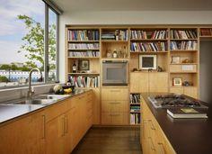 Kitchen Design לשלב טלויזיה וספרים