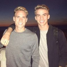 This is Austin (left) and Aaron Rhodes (right). They're models from L.A., and they also happen to both be gay. | These Twins Came Out To Their Dad And His Response Will Melt Your Heart