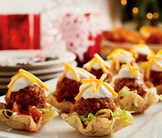 Tex Mex Meatball Nacho Bites Prep time: 40 min Total time (start to finish): 45 min Finger Food Appetizers, Appetizers For Party, Finger Foods, Appetizer Recipes, Tex Mex, How To Cook Meatballs, Albondigas, Meatball Recipes, Along The Way