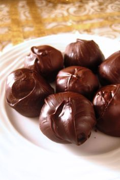 Τρουφάκια με Oreo - The one with all the tastes Cake Recipes, Dessert Recipes, Greek Recipes, Truffles, I Foods, Chocolate Cake, Oreo, Deserts, Food Porn