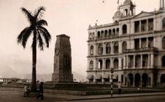 Hong Kong Club and the Cenotaph in 1953.