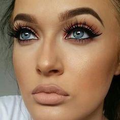 Lashes, eyeliner & nude lips