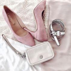 Los salones ahora con 50% de descuento, en liberitae.com 😍  #sienteteliberitae   #liberitae   #liberitaeshoes #sienteteliberitae #leather #leathershoes #shoes #shoedesign #piel #zapatos #zapatosdepiel #madeinspain #hechoenespaña #moda #fashionindustry #piel #calzado #calzadodemoda