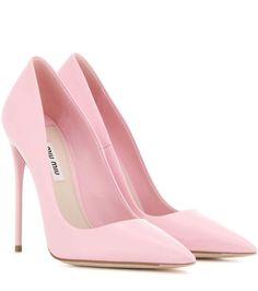 Mögt ihr Miu Miu? Wir lieben die Marke! Auch mit diesen tollen pinken Pumps bringen sie es direkt auf den Punkt! So Pink wie ein Bonbon!