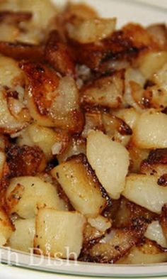 Southern Fried Potatoes with Bacon Drippings, Russet Potatoes, Sweet Onion, Salt, Pepper. Country Fried Potatoes, Best Fried Potatoes, Skillet Fried Potatoes, Smothered Potatoes, Canned Potatoes, Fried Breakfast Potatoes, How To Fry Potatoes, Country Potatoes Recipe, Fried Potatoes And Onions Recipe