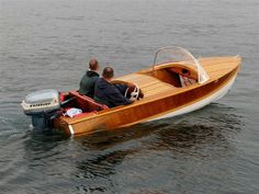 1957 Wolverine wagemaker. Old Boats, Small Boats, Runabout Boat, Boat Restoration, Classic Wooden Boats, Lakefront Property, Boat Engine, Vintage Boats, Parasailing