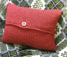 Hand Knitted Things: Envelope Cushion Cover Knitting Pattern.  This is the easiest pattern I have found for a beginner knitter.