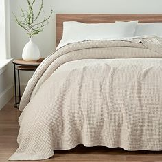 Wrap yourself up in ultra-soft comfort with the Delaney Chenille Reversible Blanket from UGG. Crafted from polyester chenille, this blanket showcases a textured waffle knit design for a stylish look and cozy feel. Neutral Bedroom Decor, Neutral Bedding, Black Bedding, Home Decor Bedroom, Bedroom Ideas, Bedroom Inspo, Bedroom Bed, Guest Bedrooms, Guest Room