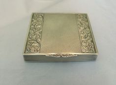RARE VINTAGE 935 STERLING SILVER 20TH CENTURY FOX 1949 BERLIN ENGRAVED COMPACT