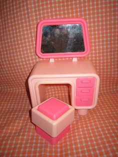 1980's pink BARBIE vanity and stool - DREAM HOUSE furniture from MATTEL!
