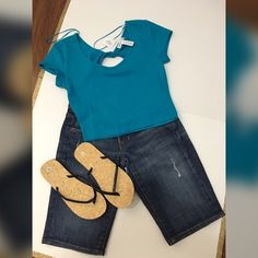 Arden B. Capri's..turquoise shirt and flip flops Pretty new with tag turquoise shirt..ArdenB. trendy knee length capris & flip flops...shirt is a large...capris are size 0...flip flops are medium..❤️❤️Outfits or shoes can be mix and matched with other items listed❤️❤️...Jewelry not includedHappy shopping my loves!! Arden B Jeans