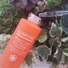 Blogger Tiia fell in love with the delicious scent of our new Lumene Bright Now Vitamin C Hyaluronic Essence. #skincare #essence #lumene