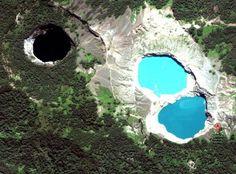 Photos of Indonesias Striking Tri Colored Crater Lakes at Kelimutu