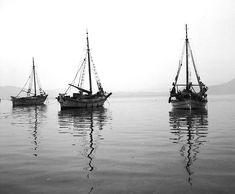 ergaster: Τάκης Τλούπας #ελλαδα - falim Greece Islands, Sailboat, Sailing Ships, Seaside, Surfing, Ocean, Vacation, Beach, Spaces