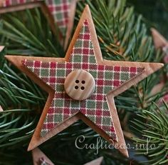Easy Homemade Country Christmas Ornaments Country Christmas Ornaments Country Stars 2 I Would Do This With Wood Stars Not Cardboard But A Cute Idea Country Style Christmas Decorations To Make Christmas Paper Crafts, Noel Christmas, Homemade Christmas, Christmas Projects, Holiday Crafts, Christmas Photos, Vintage Christmas, Country Christmas Crafts, Natural Christmas