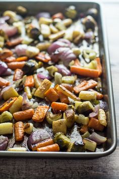Fennel Roasted Fall Vegetables OK, yes, use any vegetables. (I wound up using orange and purple carrots and broccoli, omitting the parsnips and brussels sprouts.) But the fennel adds such a nice flavor. Side Dish Recipes, Raw Food Recipes, Vegetable Recipes, Cooking Recipes, Healthy Recipes, Side Dishes, Fennel Recipes, Kitchen Recipes, Fall Recipes